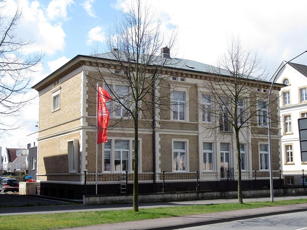 Rheda-Wiedenbrück, Bahnhofstr. 8